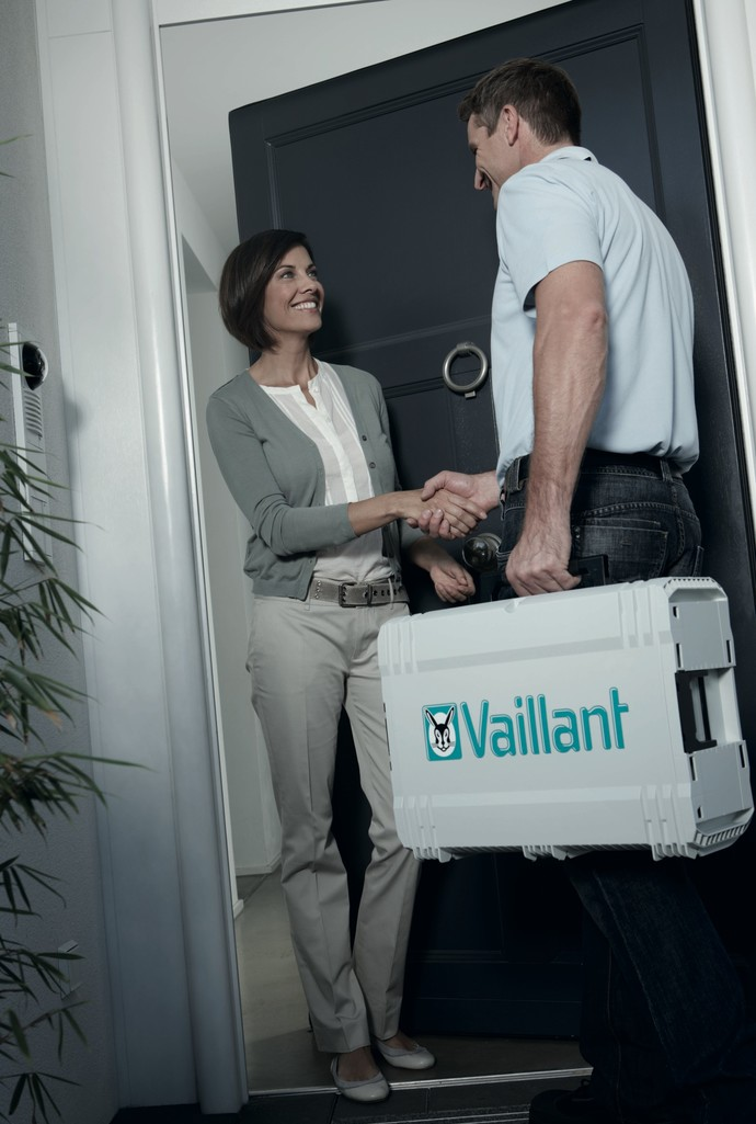 //www.vaillant.rs/media-master/global-media/vaillant/promotion/professionals/prof11-4504-00-45435-format-flex-height@690@desktop.jpg
